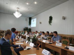 """Круглий стіл """"Донбас: від економіки війни до економіки розвитку"""""""